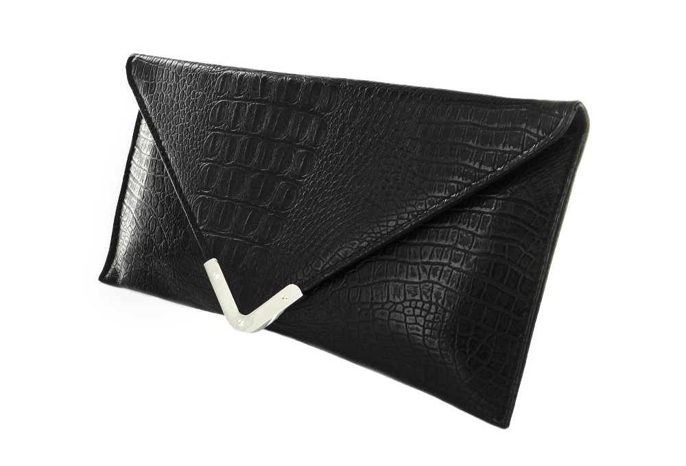 How to Wear A Black Clutch Bag – Carey Fashion