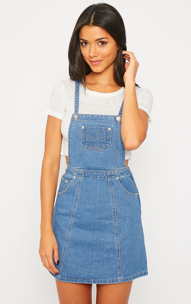 Click here to find out about the Denim Pinafore from Boohoo, part of our latest Red Dresses collection ready to shop online today!