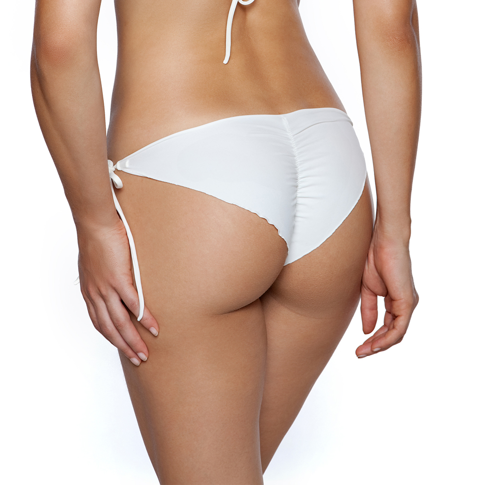 Bikini Facelift: DIY Ruched Bikini Bottom. One of the easiest ways to take a simple bikini bottom and suddenly transform it from a borderline diaper to a flattering head turner is with a l'il touch o' ruching.A little bit of scrunch between the cheeks, I don't know why, but it highlights while hiding flaws and just enhances zee curves.
