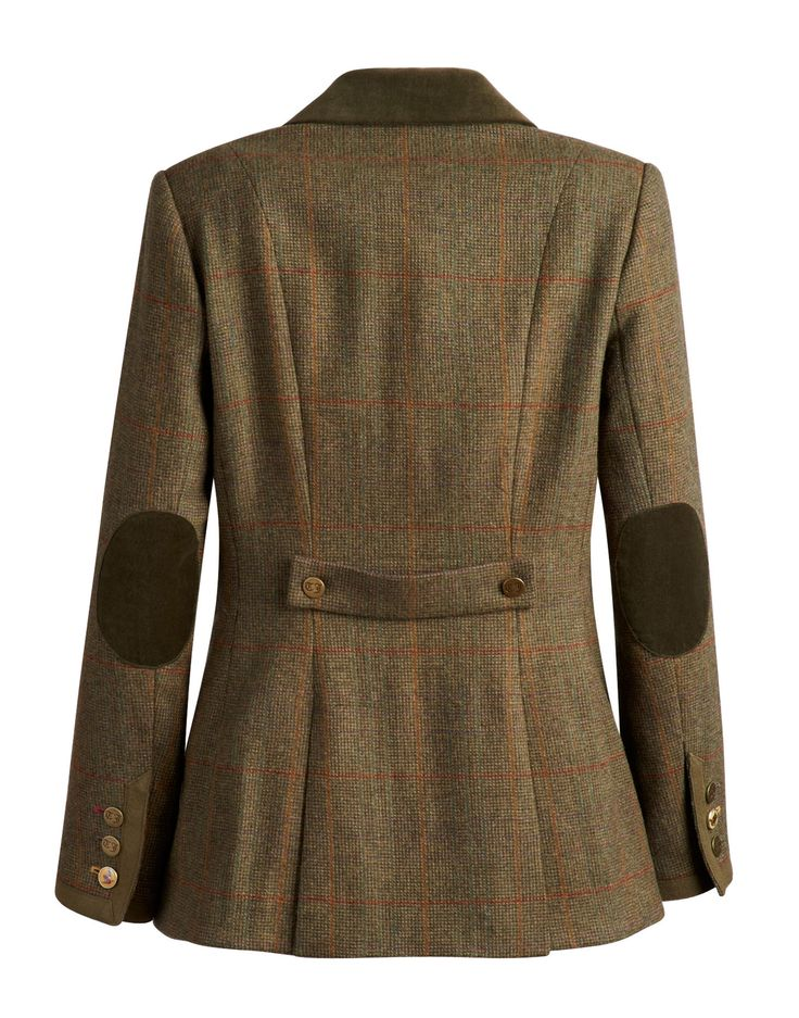 The Women's Jack Murphy Harriet Tweed Jacket is the perfect addition to any stylish lady's wardrobe. Crafted from the highest quality % Shetland wool tweed for that classic country feel, we know that you will love the elegant feel of this timeless jacket.