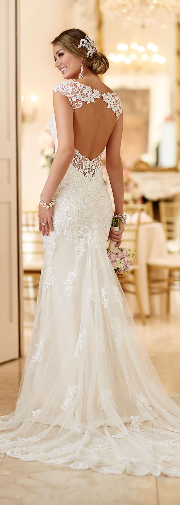 The perfect guide to buying brides dresses careyfashion the perfect guide to buying brides dresses junglespirit Gallery