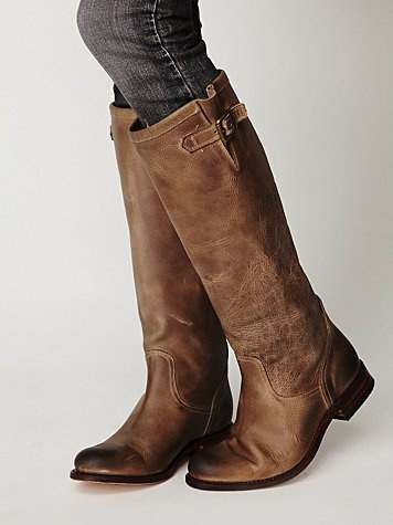Tall brown boots what to wear with