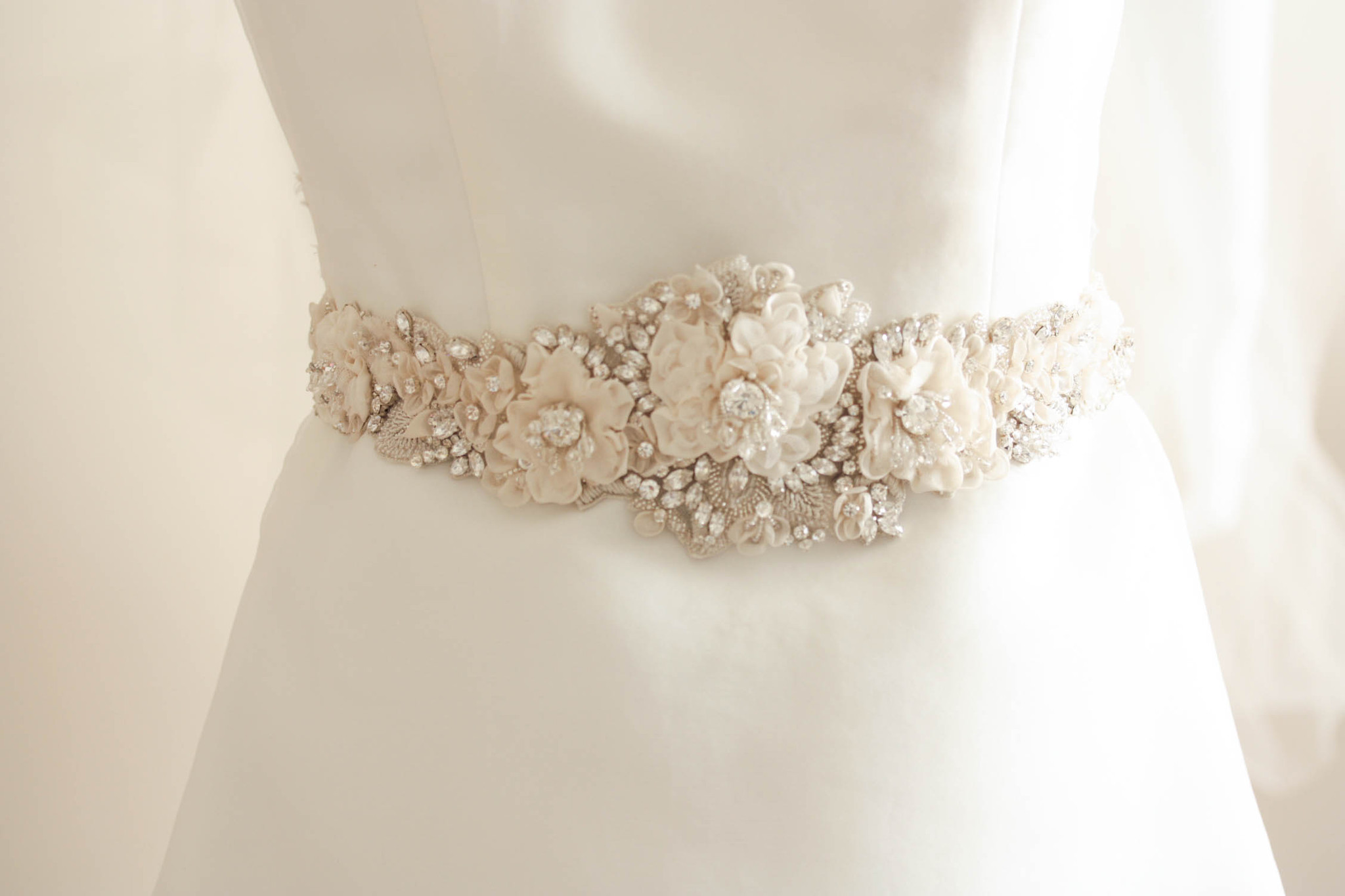 Wedding Dress Belts – The Perfect One for Your Dress ...