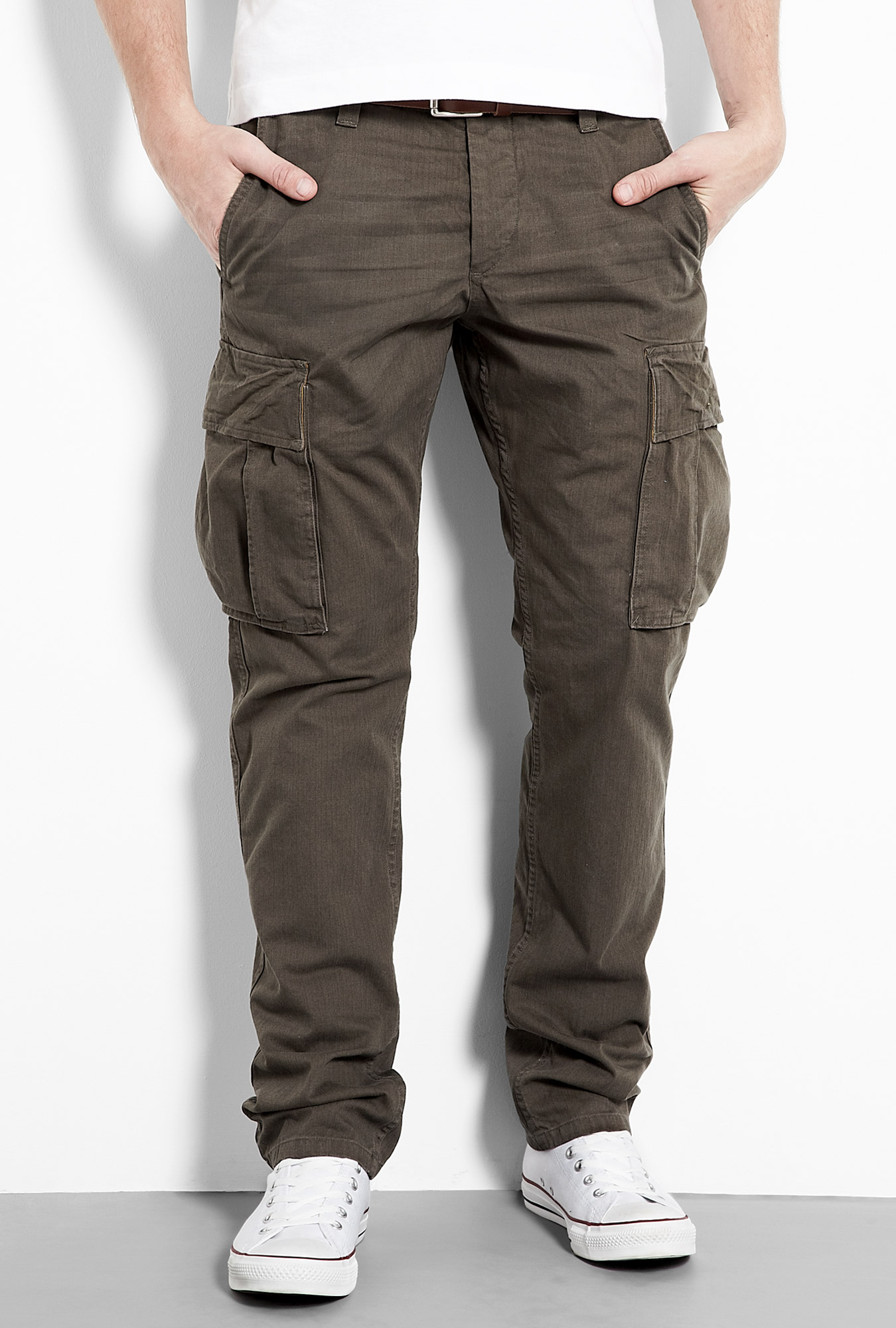 Cargo Pants for Men Outfits for the Bold - Carey Fashion
