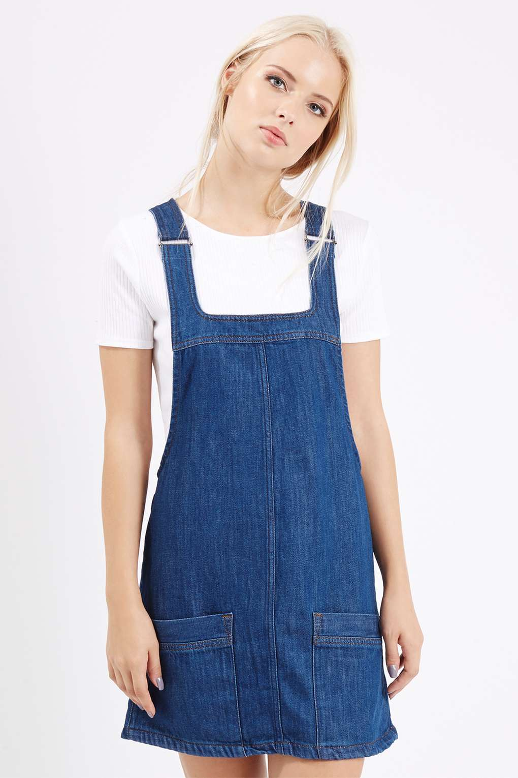 How to Wear A Denim Pinafore Dress