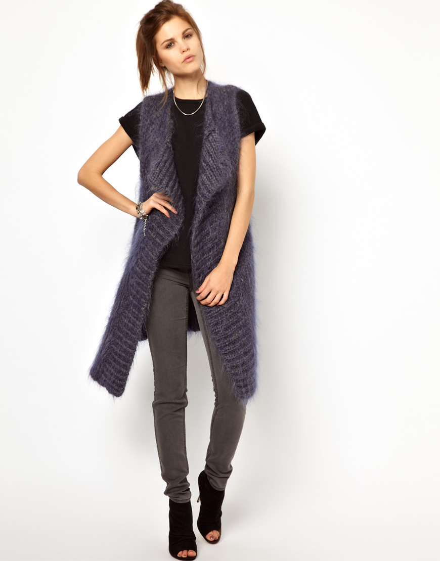 Sleeveless Cardigan – The Perfect Overall Go-To