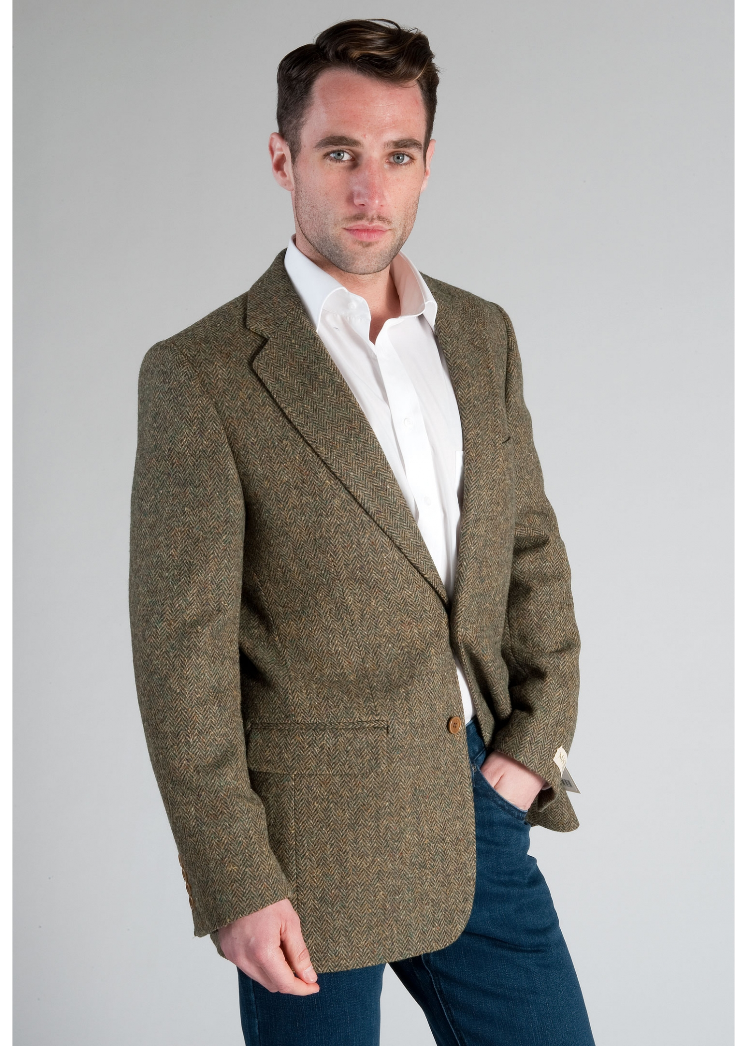 How to Wear Tweed Jackets