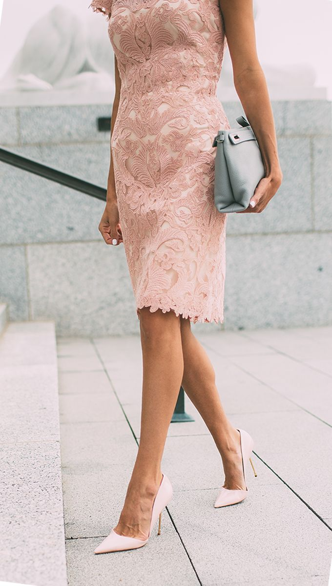 Which shoes to wear pink dresses with 2021