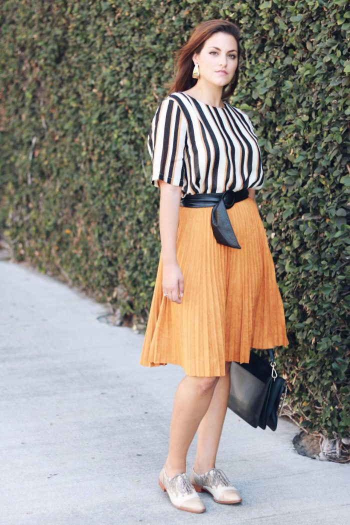 Pleated Skirts Simple Outfit Ideas to Try 2021