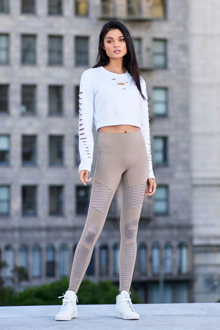 21 ways to make leggings look chic in 2021
