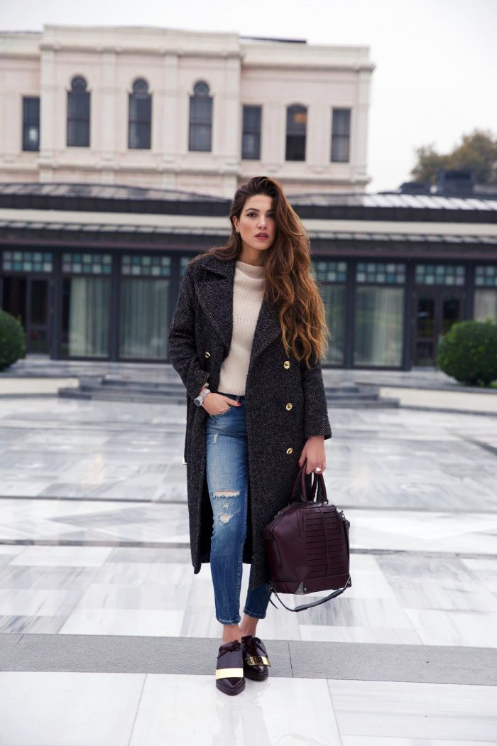 36 Ways To Make Distressed Jeans Look Great In 2021