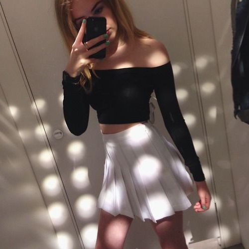 How to wear tennis skirts in 2021