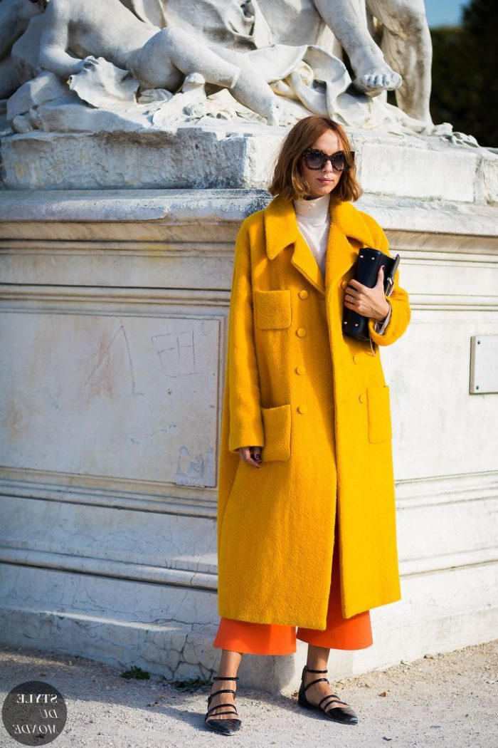 How and with what to wear mustard color in 2021