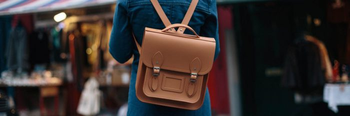 How to wear vintage bags in 2021
