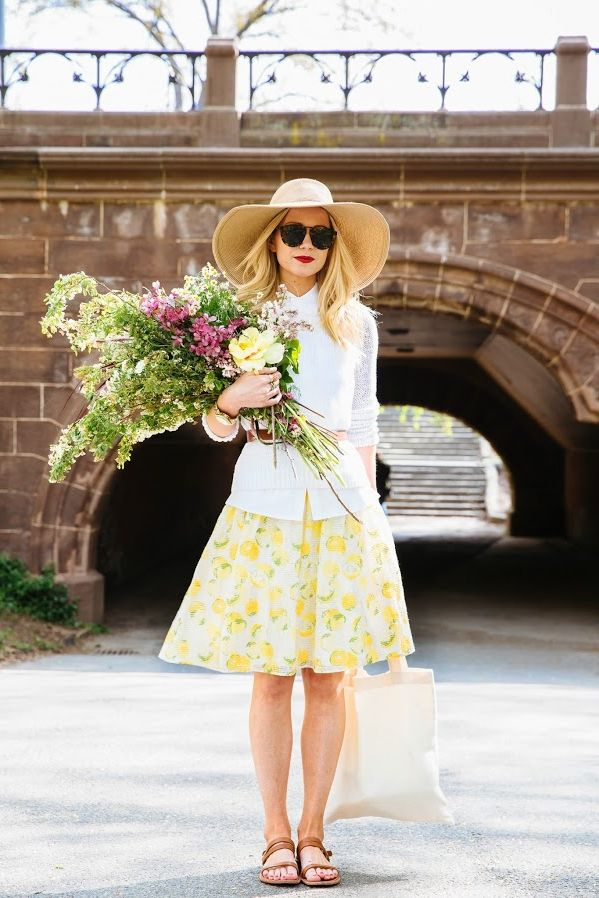 What to wear to a garden party in 2021