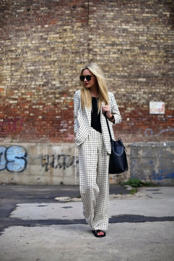 How women should mix prints and patterns in 2021