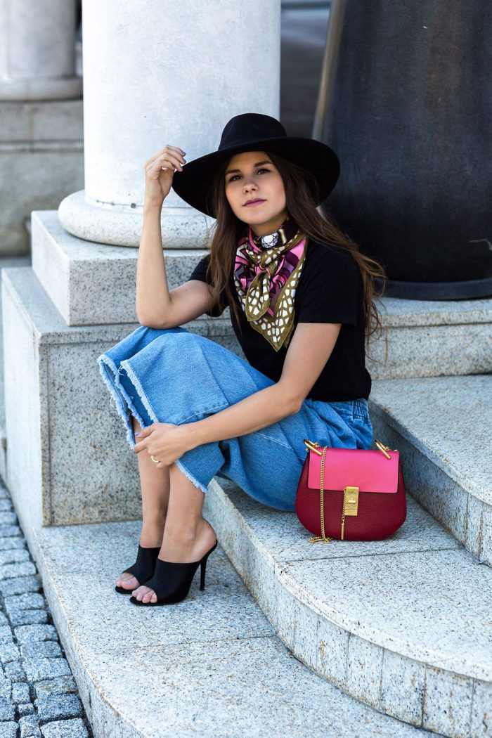 Cool ways for women to wear bandanna in 2021