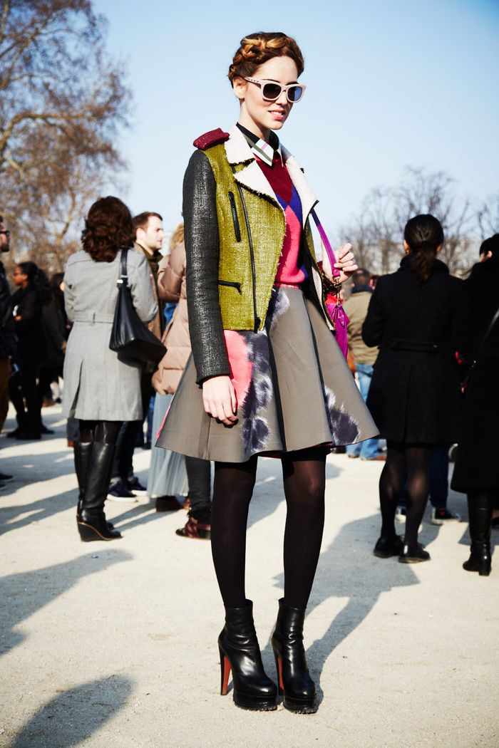 Add a pop of color to the 2021 neutral outfit
