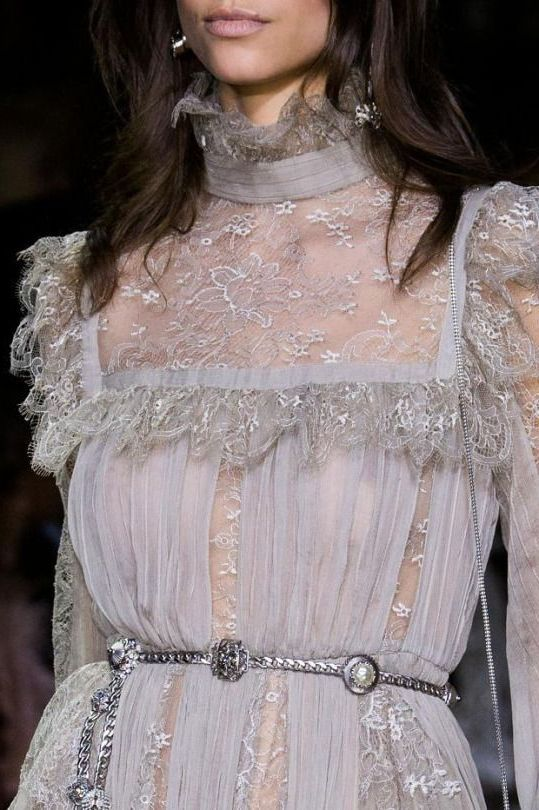 Victorian inspired garments for women 2021