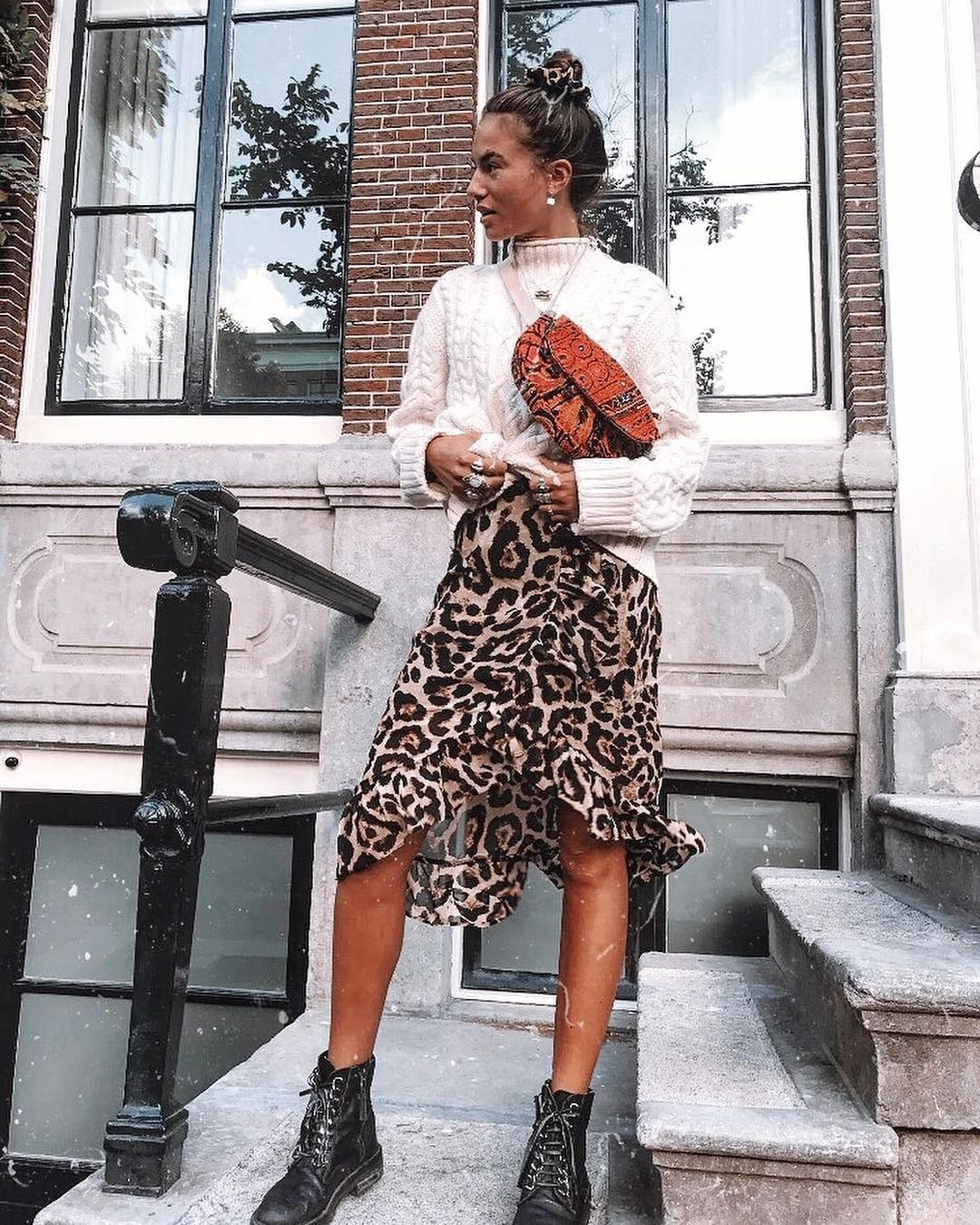 How to wear a leopard print midi skirt for the fall 2021 season