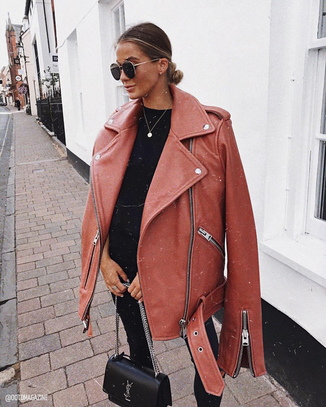 Oversized leather jacket for fall 2021