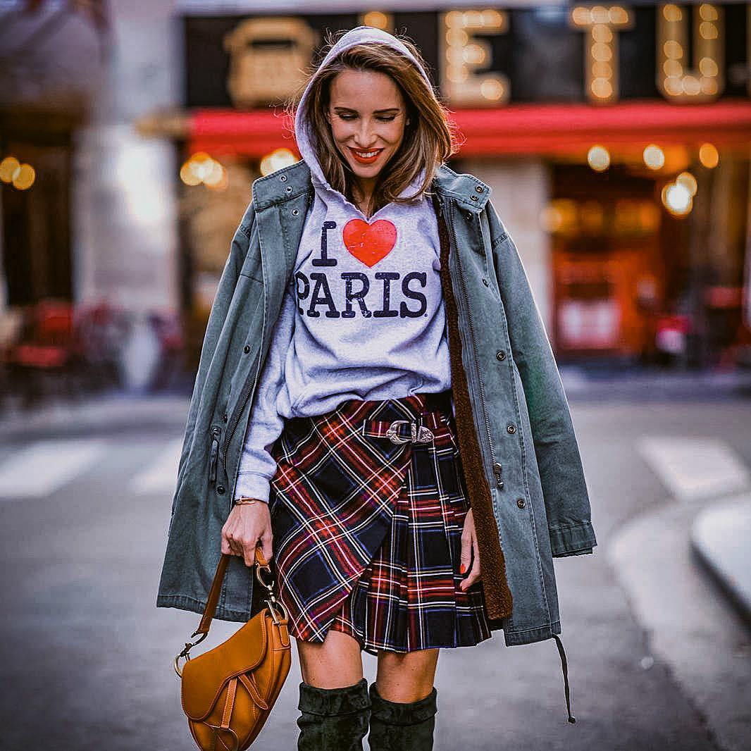 Paris casual outfit idea for autumn: parka, hoodie and plaid skirt 2021