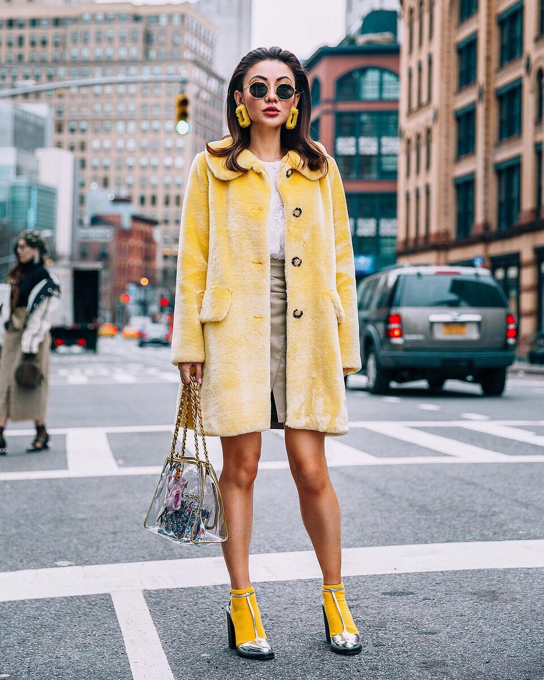 Retro fall OOTD: pastel yellow fur coat and silver heels with yellow socks 2021