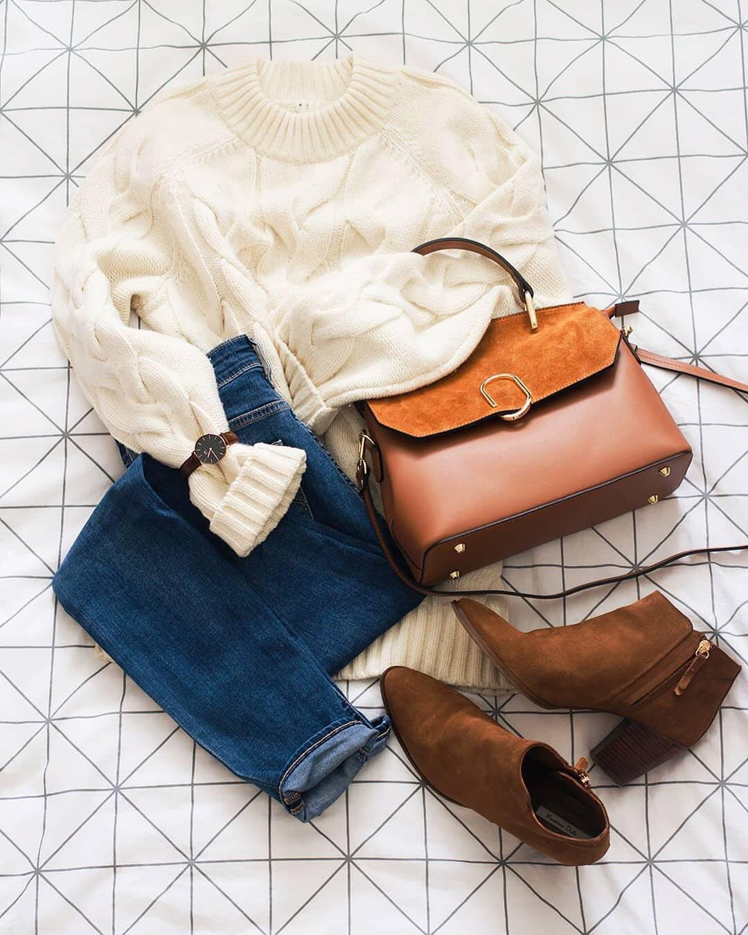 White sweater, blue jeans and ankle boots: Fall Essentials 2021
