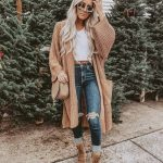 Bulky Oversized Cardigan And Ripped Jeans   Outfit