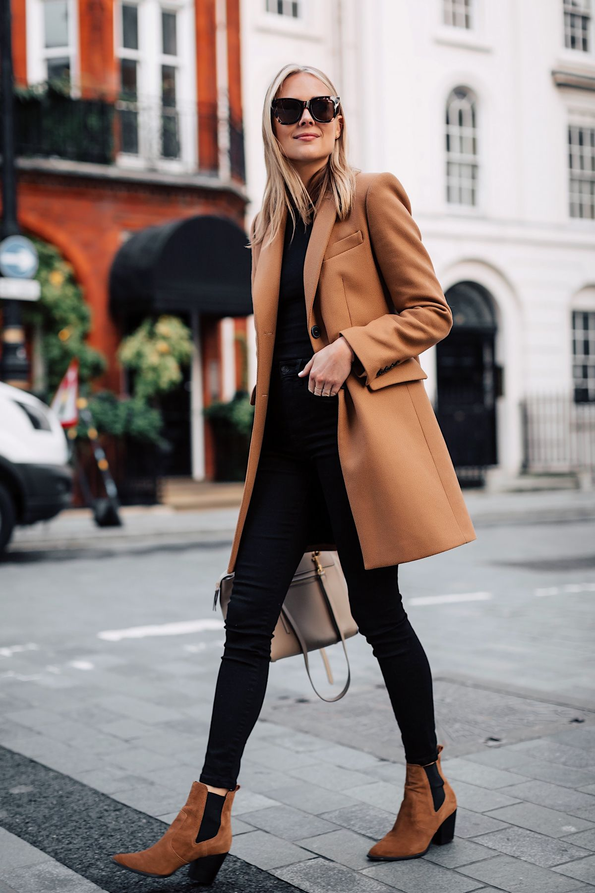 Camel Coats Outfits for Winter
