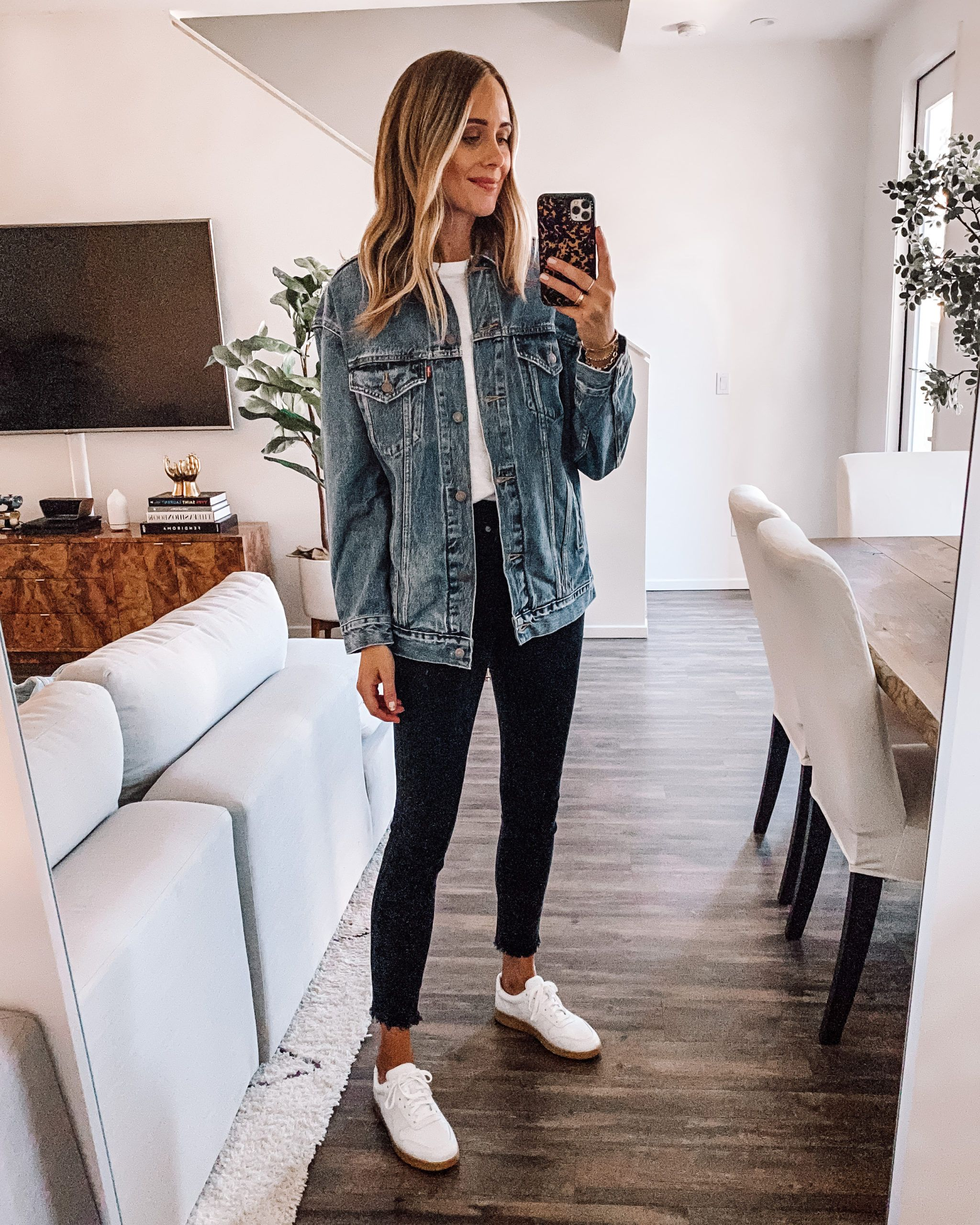 Fall Jacket And Skinny Jeans Outfit