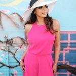 Sleeveless Dress In Fuchsia And Wide-Brim   Beach Hat