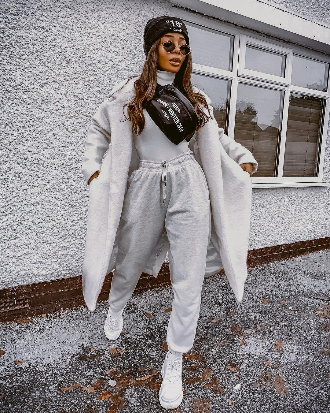 Sporty Monochrome Outfit For Women