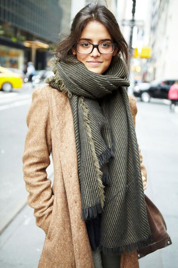 What Scarves Women Should Wear This Fall