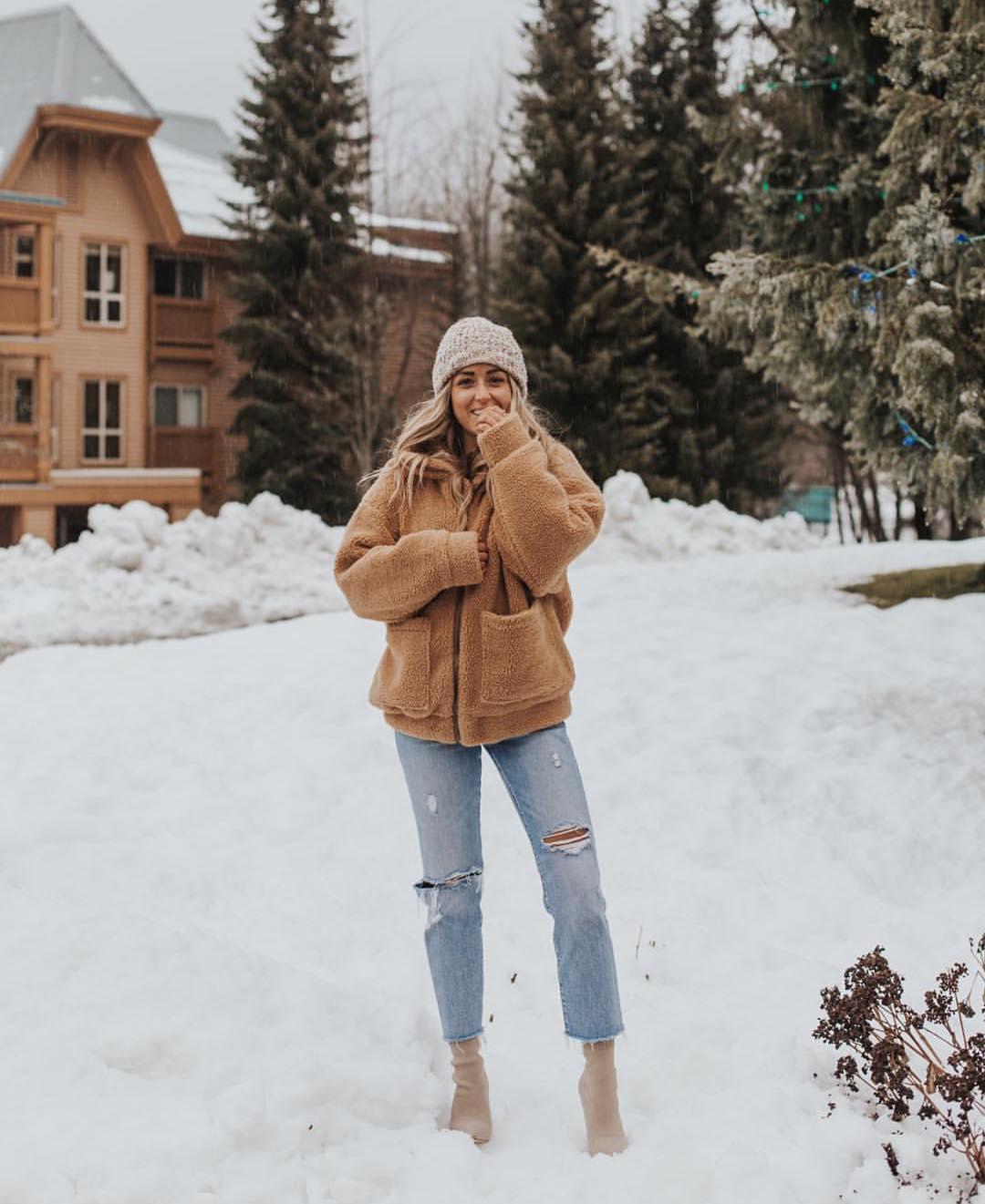 Winter Urban Holiday Essentials For Women